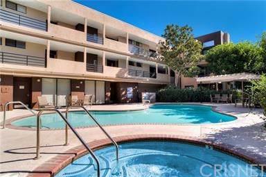 7826 Topanga Canyon Boulevard #66, Canoga Park, CA 91304 (#SR20003392) :: J1 Realty Group