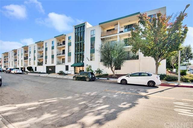 500 Jackson Place #106, Glendale, CA 91206 (#SR20003632) :: Twiss Realty