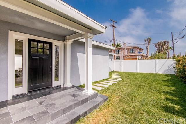 1776 Voorhees Avenue, Manhattan Beach, CA 90266 (#SR20003791) :: Keller Williams Realty, LA Harbor
