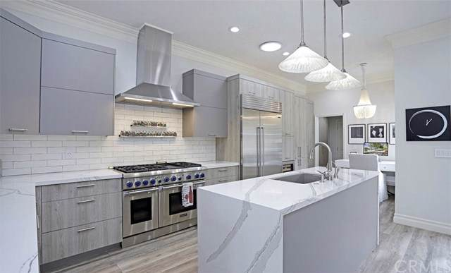20 Rue Grand Ducal, Newport Beach, CA 92660 (#PW20005054) :: Allison James Estates and Homes