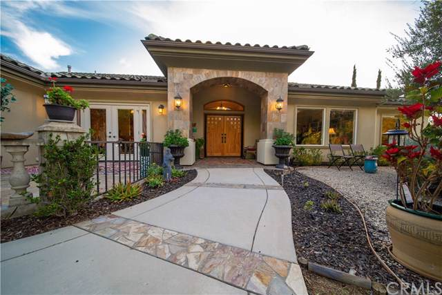 604 Via Cumbres, Fallbrook, CA 92028 (#SW20005026) :: Twiss Realty