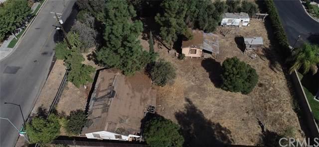 5616 N Brawley, Fresno, CA 93722 (#FR20005766) :: eXp Realty of California Inc.