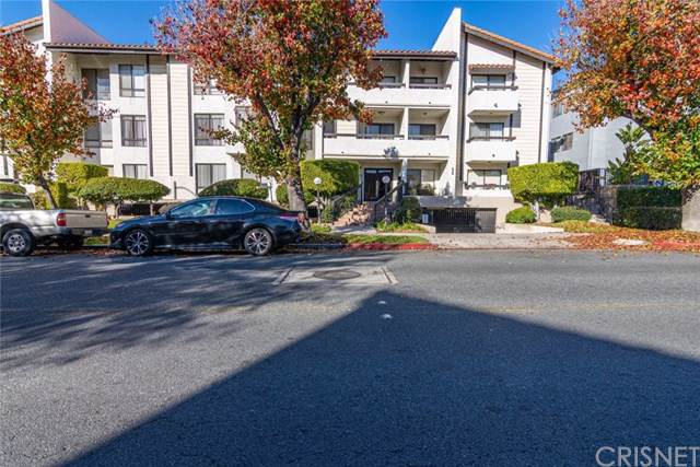 339 W Wilson Avenue #103, Glendale, CA 91203 (#SR20004757) :: Twiss Realty