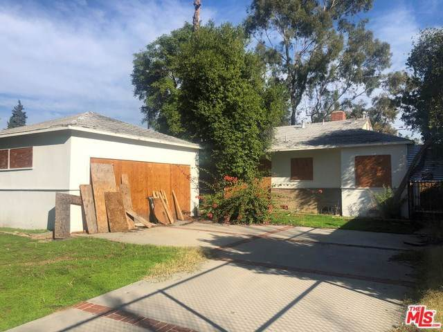7340 Genesta Avenue, Van Nuys, CA 91406 (#20542306) :: Twiss Realty