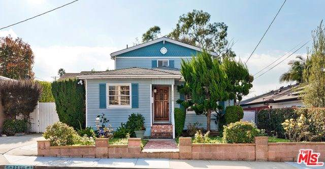 1756 11TH Street, Manhattan Beach, CA 90266 (#20542688) :: RE/MAX Estate Properties