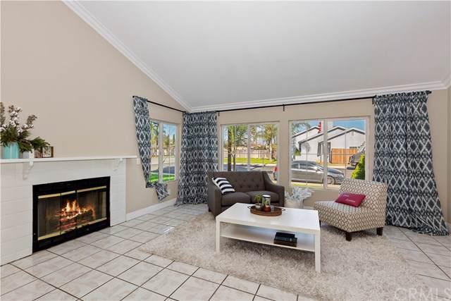321 S Acacia Avenue, Rialto, CA 92376 (#CV20006798) :: Mainstreet Realtors®