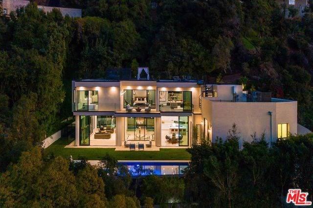9455 Readcrest Drive, Beverly Hills, CA 90210 (#20540092) :: Team Tami