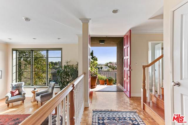 3537 Lowry Road, Los Angeles (City), CA 90027 (#20543038) :: Twiss Realty