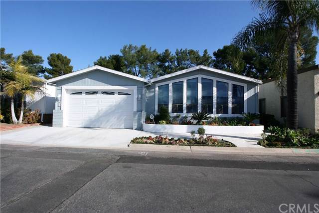 23301 Ridge Route Drive #216, Laguna Hills, CA 92653 (#OC20007948) :: Berkshire Hathaway Home Services California Properties