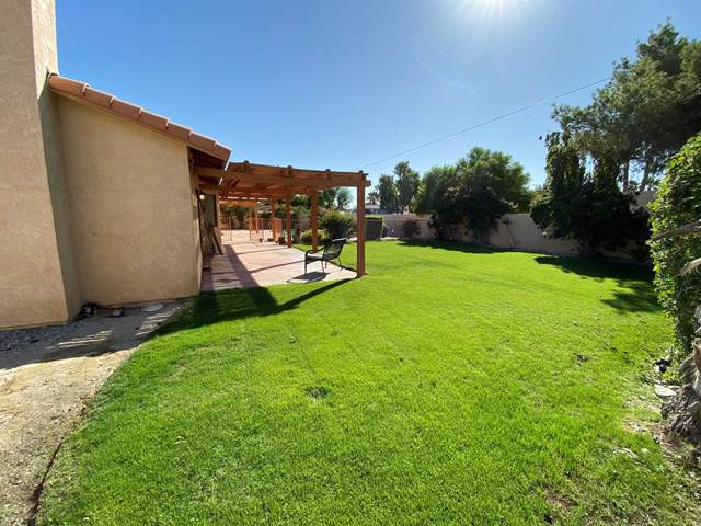 2787 E San Marino Road, Palm Springs, CA 92262 (#219036752PS) :: Millman Team
