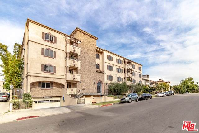 5057 Maplewood Avenue Ph 5, Los Angeles (City), CA 90004 (#20543848) :: Millman Team