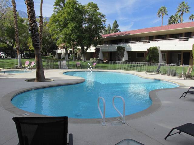 470 Villa Court N #209, Palm Springs, CA 92262 (#219036864PS) :: Sperry Residential Group