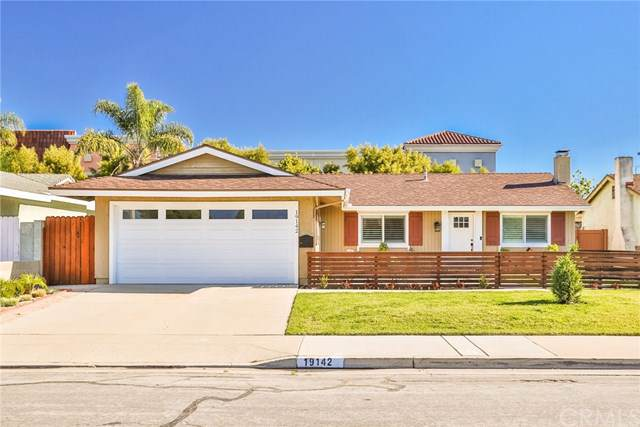 19142 Lindsay Lane, Huntington Beach, CA 92646 (#OC20003960) :: Z Team OC Real Estate