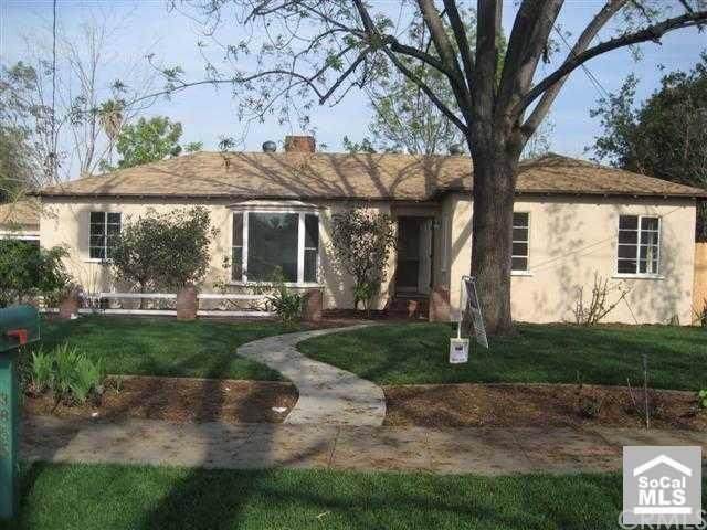 3855 Mckenzie Street, Riverside, CA 92503 (#IG20010386) :: The DeBonis Team