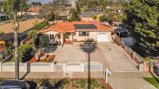 1039 W Saint Andrew Place, Santa Ana, CA 92707 (#PW19287453) :: RE/MAX Estate Properties