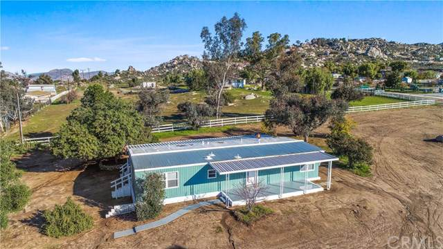 23845 Gunther Road, Sun City, CA 92585 (MLS #OC20010841) :: Desert Area Homes For Sale