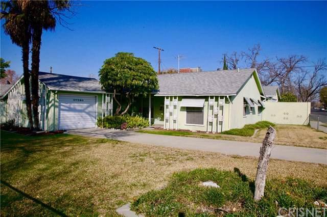 17501 Arminta Street, Northridge, CA 91325 (#SR20011637) :: The Bashe Team