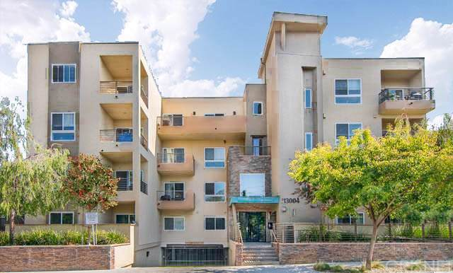 13004 Valleyheart Drive #303, Studio City, CA 91604 (#SR20011732) :: Pacific Playa Realty