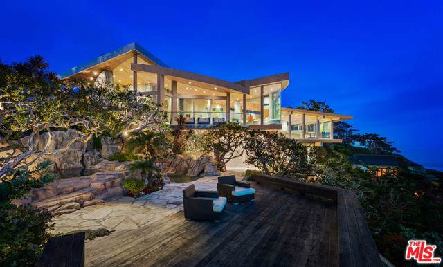 33256 Pacific Coast Highway, Malibu, CA 90265 (#20544818) :: Allison James Estates and Homes