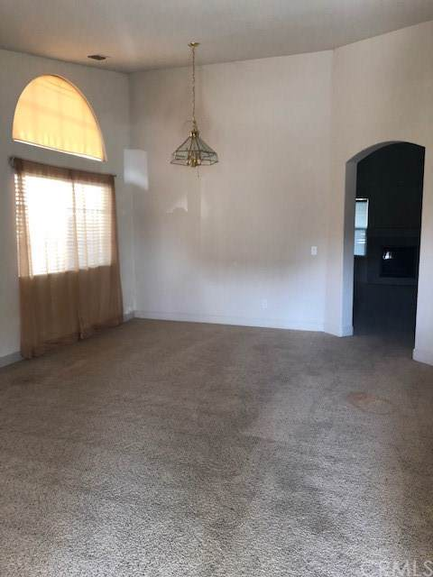 11207 Myrtlewood Drive, Chowchilla, CA 93610 (#MC20012025) :: Sperry Residential Group