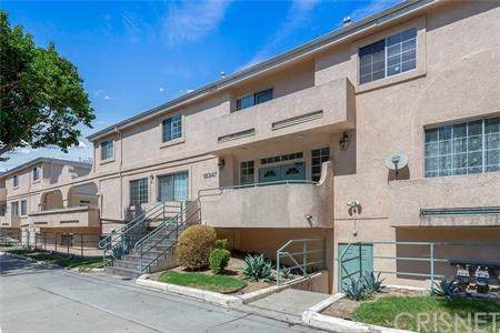 18347 Saticoy Street #30, Reseda, CA 91335 (#SR20012105) :: Allison James Estates and Homes