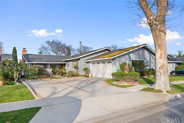 2131 W 184th Street, Torrance, CA 90504 (#SB20011859) :: The Miller Group