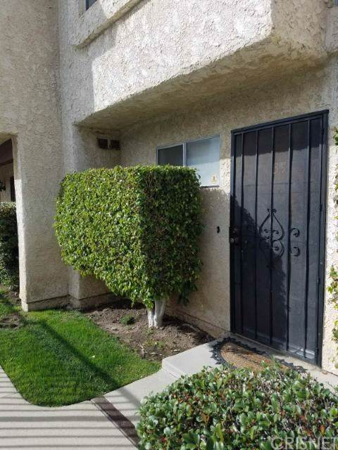 13701 Hubbard Street #39, Sylmar, CA 91342 (#SR20011574) :: Sperry Residential Group