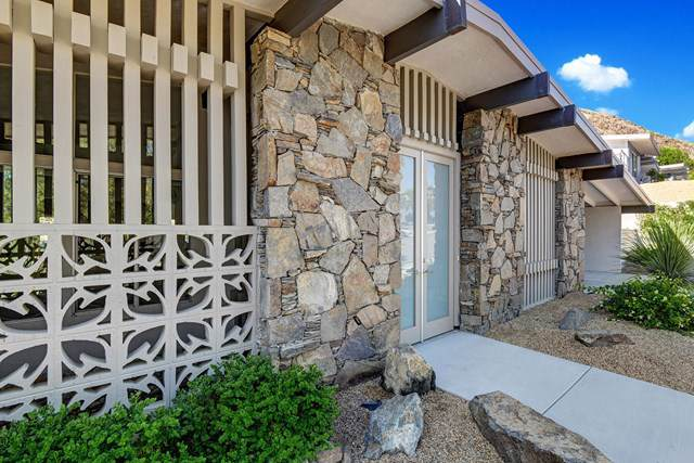 1287 Los Robles Drive, Palm Springs, CA 92262 (#219037065PS) :: Sperry Residential Group
