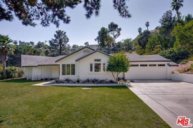 1803 Manzanita Park Avenue, Malibu, CA 90265 (#20545030) :: Keller Williams Realty, LA Harbor