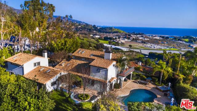3453 Coast View Drive, Malibu, CA 90265 (#20544848) :: Doherty Real Estate Group