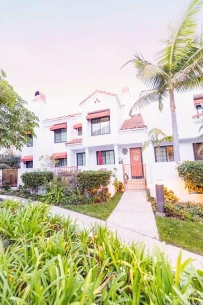 19481 Pompano Lane #105, Huntington Beach, CA 92648 (#OC20008331) :: Team Tami