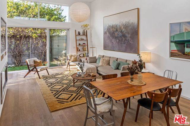 3465 Maplewood Avenue, Los Angeles (City), CA 90066 (#20545148) :: RE/MAX Estate Properties