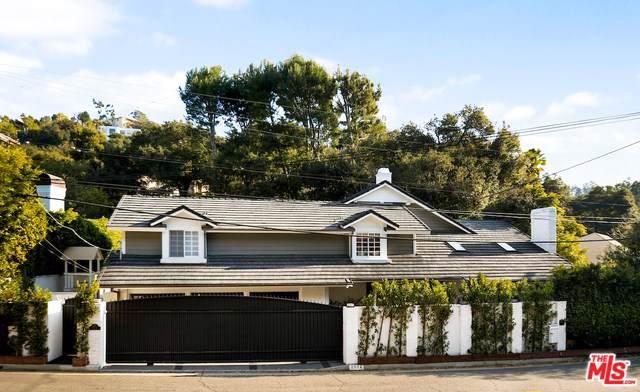 2572 Hutton Drive, Beverly Hills, CA 90210 (#20544652) :: Team Tami
