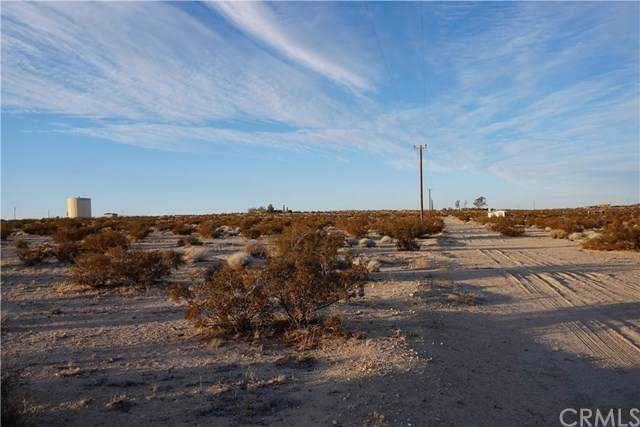 67869 Pioneer Road, 29 Palms, CA 92277 (#JT19262752) :: Sperry Residential Group
