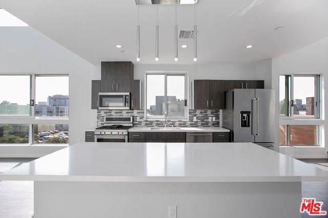 4140 Glencoe Avenue #516, Marina Del Rey, CA 90292 (#20545136) :: RE/MAX Estate Properties