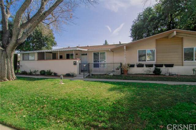 26741 Whispering Leaves Drive A, Newhall, CA 91321 (#SR20012793) :: Millman Team