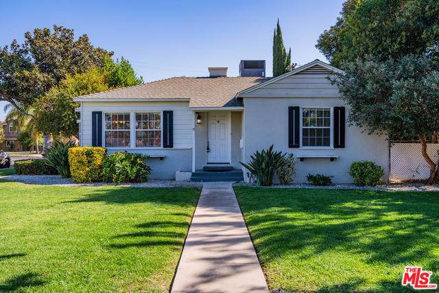 7754 Genesta Avenue, Van Nuys, CA 91406 (#20542806) :: RE/MAX Estate Properties
