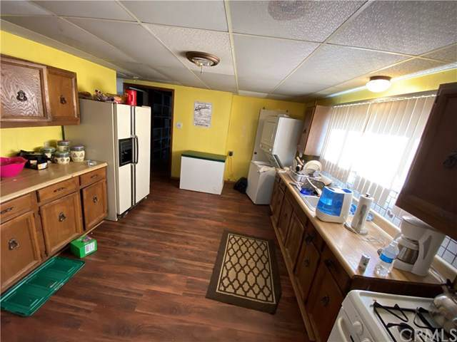 9788 Dusty Lane, Lucerne Valley, CA 92356 (#DW20012916) :: The Bashe Team