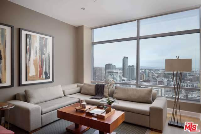 900 W Olympic 30E, Los Angeles (City), CA 90015 (#20545642) :: Crudo & Associates