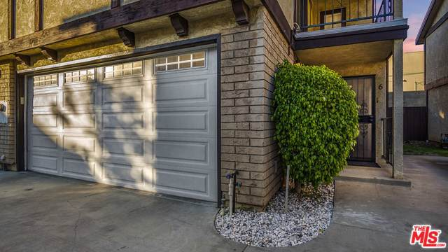 13400 Doty Avenue #6, Hawthorne, CA 90250 (#20545776) :: Frank Kenny Real Estate Team
