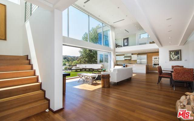357 N Bonhill Road, Los Angeles (City), CA 90049 (#20545836) :: Doherty Real Estate Group
