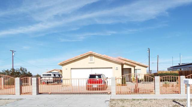 1360 Red Sea Avenue, Salton City, CA 92275 (#219037260DA) :: The Bashe Team