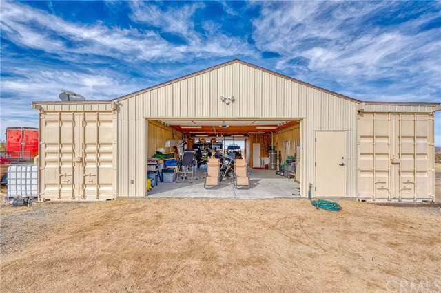 5173 Sun Loma Avenue, Joshua Tree, CA 92252 (#JT20013294) :: Allison James Estates and Homes