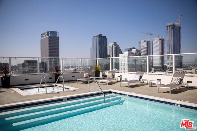 939 S Broadway #402, Los Angeles (City), CA 90015 (#20545992) :: RE/MAX Estate Properties