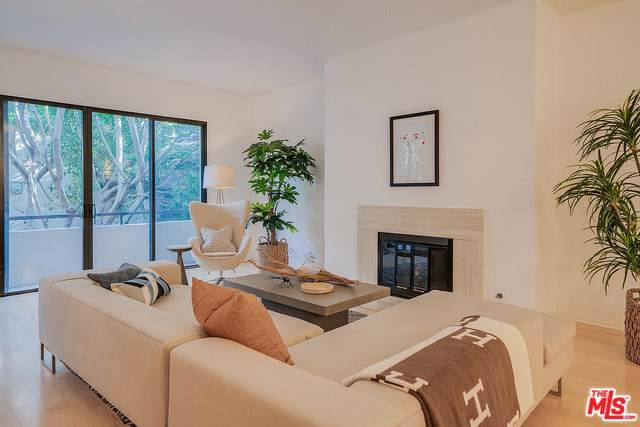 1870 Veteran Avenue #104, Los Angeles (City), CA 90025 (#20546016) :: Allison James Estates and Homes