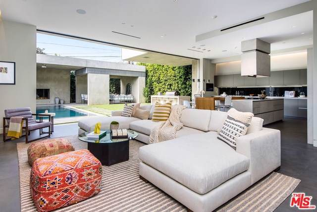 931 N La Jolla Avenue, West Hollywood, CA 90046 (#20545904) :: The Najar Group