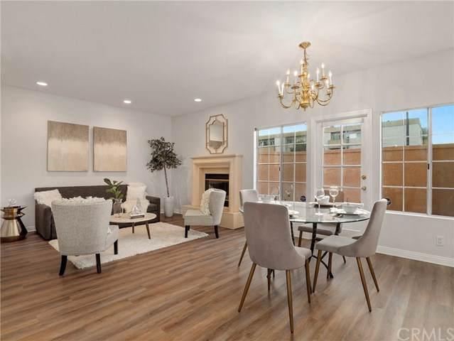 5200 White Oak Avenue #8, Encino, CA 91316 (#BB20014408) :: Berkshire Hathaway Home Services California Properties
