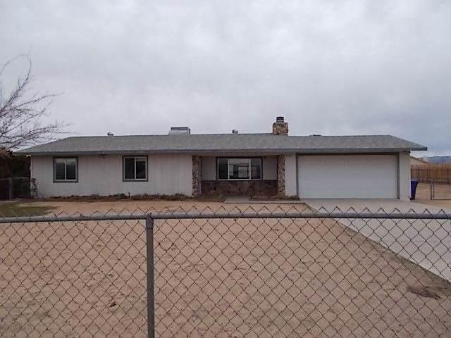 12807 Algonquin Road, Apple Valley, CA 92308 (#521308) :: Re/Max Top Producers