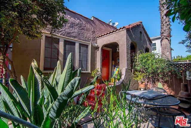 1207 N Citrus Avenue, Los Angeles (City), CA 90038 (#20546000) :: RE/MAX Estate Properties