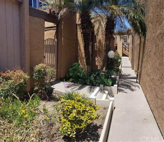 2700 Brea Boulevard #12, Fullerton, CA 92835 (#PW20015264) :: The Najar Group